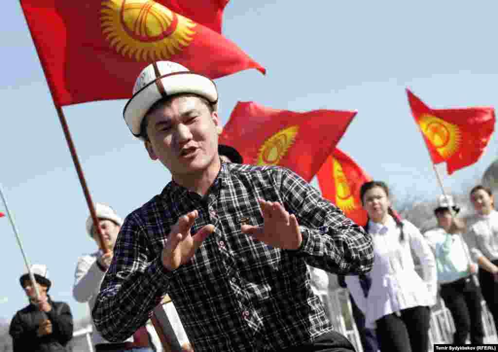 В январев парламенте Кыргызстана предложилиобязать президента и спортсменов носить ак-калпак за границей.