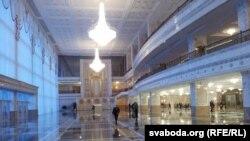 У Палацы незалежнасьці, які зьяўляецца рэзыдэнцыяй Аляксандра Лукашэнкі.