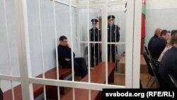 Абвінавачаны Аляксандар Кулагін адзіны падчас суду быў у жалезнай клетцы