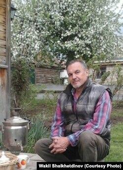 Вакил Шайхетдинов Капей-Кобау айылындагы үйүндө.
