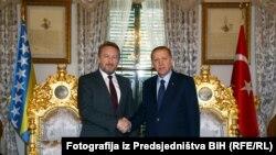 Susret člana Predsjedništva BiH Bakira Izetbegovića i turskog predsjednika Redžepa Tajipa Erdoana u aprilu 2016. u Istanbulu.