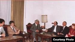 وليد جنبلاط في زيارة للجواهري - 1983