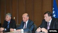 Predsjednik HDZ-a Dragan Čović, predsjednik SDA Sulejman Tihić i predsjednik SNSD-a Milorad Dodik, Foto: Midhat Poturović