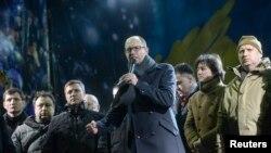 Арсені Яцанюк выступае на Майдане
