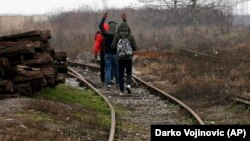 مهاجران در مرز صربستان با اتحادیه اروپا