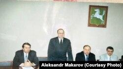 В томской мэрии с Егором Гайдаром. 1998 год.