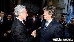 Президент Армении Серж Саргсян (слева) и вице-президент Аргентины, председатель Сената Амадо Буду, Буэнос-Айрес, 07 июля, 2014 г.