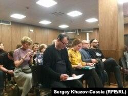 Подсудимые (слева направо) Юрий Итин, Софья Апфельбаум, Алексей Малобродский и Кирилл Серебренников