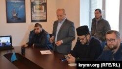 Архивное фото, заседание объединения «Крымская солидарность»