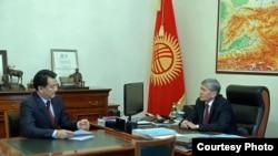 Президент А. Атамбаев менен министр Т. Батыралиевдин жолугушуусу.