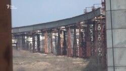 У Запоріжжі звели першу ділянку нового моста через Дніпро (відео)