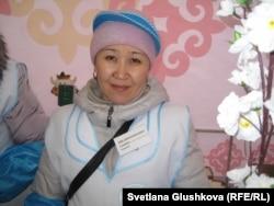 """Гульмира Женабинова, продавец компании """"Молочный союз"""". Астана, 22 марта 2013 года."""