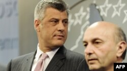 Kryeministri Hashim Thaci dhe kreu i LDK-se Isa Mustafa(foto nga arkivi)
