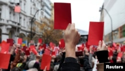 Czechs Give President The Red Card
