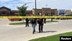 Поліція на місці стрілянини, Вейко, Техас, 17 травня 2015 року
