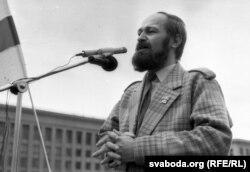 Алег Трусаў. Жнівень 1991 г. Фота Ул. Кармілкіна