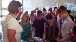 У Дніпропетровську волонтери збирають гроші для дітей із зони АТО