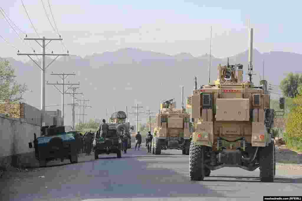 د بهرنیو سرتېرو ګاډي. افغان چارواکي وايي، په بریا یې په سیمه کې عملیات بشپړ کړل.