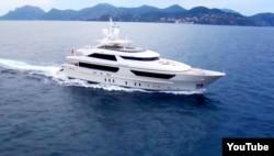 Яхта моделі 46Steel, побудована на італійській корабельні Sanlorenzo – така ж, як яхта «Шеллест»