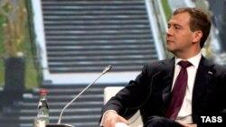 На экономическом форуме в Санкт-Петербурге президент Медведев сообщил об изменениях, которые произошли в стране.