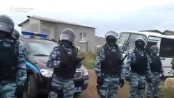 Russians Detain Five On Terror Charges In Crimea