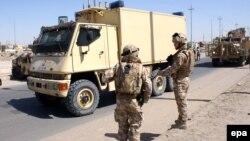 Архивска фотографија: Британски војници во Ирак.