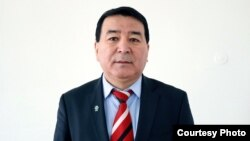 Женишбек Кызалаков.