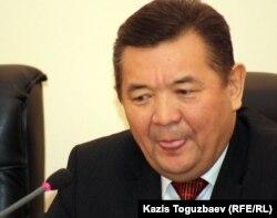 Ректор Казахского национального аграрного университета Тлектес Есполов. Алматы, 8 декабря 2011 года.