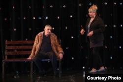 """""""Sönməyən ulduzlar"""" teatrının bir tamaşası."""