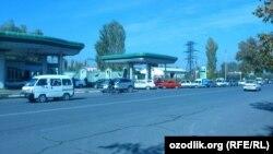 Ўзбекистондаги бензин тақчиллиги суратларда