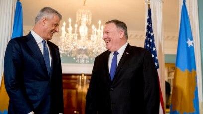 Državni sekretar SAD Majk Pompeo i predsednik Kosova Hašim Tači, prilikom susreta u Vašingtonu 26. februara 2020.