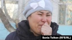 Жительница Жанаозена Жанар Избасарова, дочь которой после прививки от кори попала в больницу. Актау, 24 февраля 2015 года.