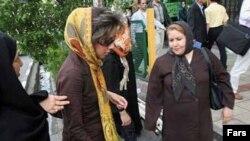 موج جديد حمله عليه زنان با شعار «مبارزه با بدحجابی».عکس تزئینی است.