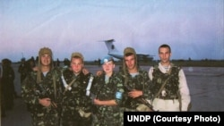 Savchenko with fellow paratroopers