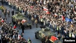 Прощание с президентской четой в Варшаве