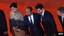 İranlı rejissor Ashgar Farhadi və aktyorları