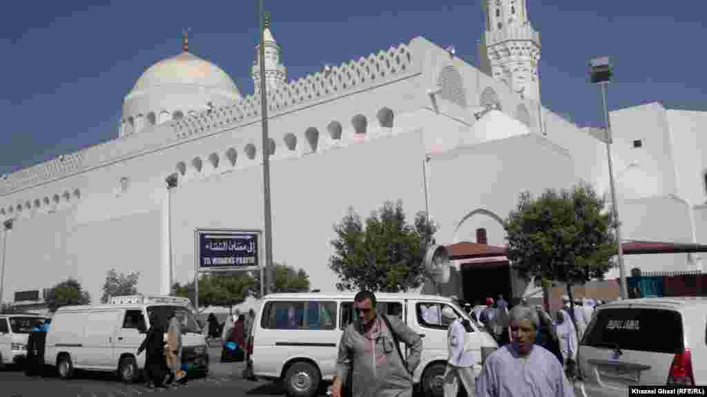 The exterior of the Mosque of Two Qiblas in Medina City
