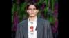 Спортсмен из Чечни вышел на подиум и покорил Париж. Versace подписал с ним контракт