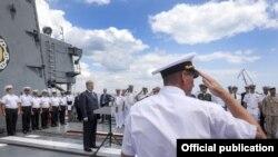 Президент Украины Петр Порошенко на борту фрегата «Гетман Сагайдачный»
