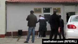Ашхабаддагы аскердик комиссариаттын имараты (архив сүрөт)