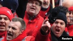 На протесті профспілок проти економічних негараздів і безробіття, Брюссель, 14 березня 2013 року