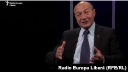 Traian Băsescu în studioul Europei Libere de la Chișinău, în primăvara lui 2019