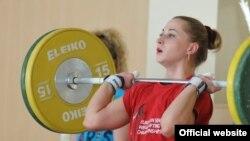 Тяжелоатлетка Юлия Калина