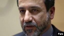 عباس عراقچی، معاون وزیر امور خارجه ایران میگوید برخی مسائل پیرامون اجرای توافقنامه هستهای ژنو هنوز باقی مانده و باید در سطح سیاسی حل شود.