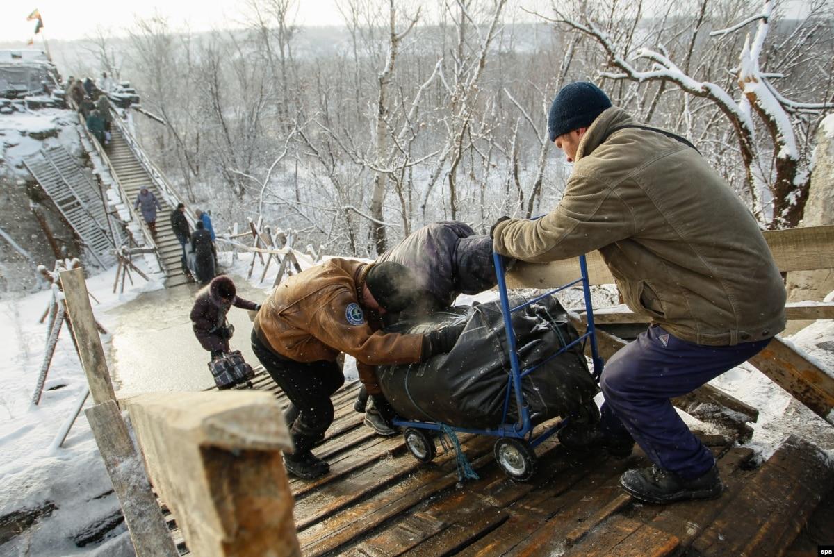 1 августа должны начать разминировать территорию возле моста в Станице Луганской – пресс-секретарь Кучмы
