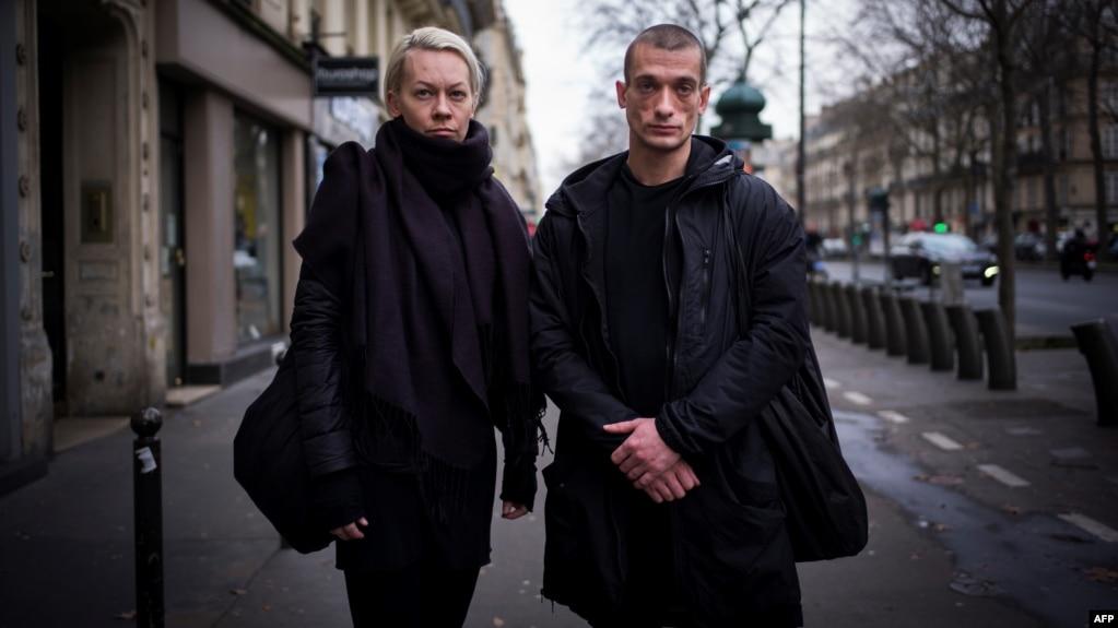 Pyotr Pavlenski (right) and his partner, Oksana Shalygina, in Paris in January
