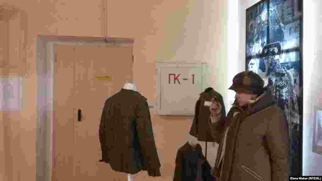 """Қарағанды облыстық көркемсурет мұражайындағы """"Архипелаг КАРЛАГ"""" көрмесінің жұмысы 2017 жылғы желтоқсанның 10-ына дейін жалғасады."""