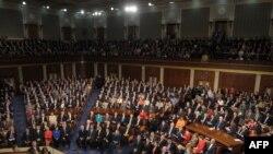 باراک اوباما، رئیسجمهوری آمریکا در حال سخنرانی در کنگره ایالات متحده.