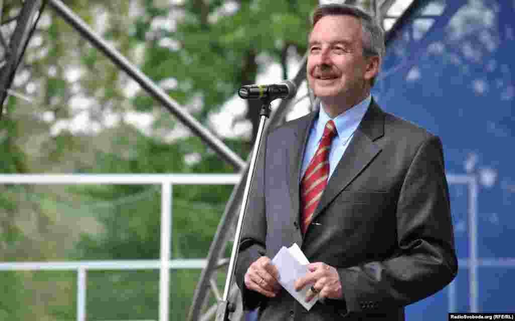 Надзвичайний і Повноважний Посол Федеративної Республіки Німеччина в Україні Ганс-Юрґен Гаймзьот