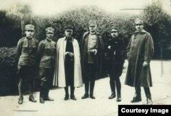 Ofițeri din misiunea militară italiană (Sursa: http://www.marelerazboi.ro/razboi-catalog-obiecte/item/misiunea-militara-italiană)